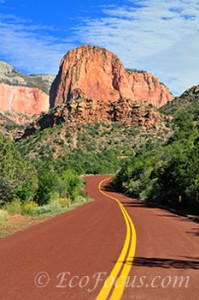 Scenic drive in Kolob Canyons